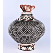 Mata Ortiz Pottery Graciela Gallegos Precision Cuadricula Pot with Butterfly Top And Matching Base