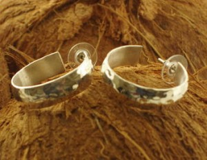 Taxco .925 Sterling Silver Citlal Castillo Hammered Hoop Earrings