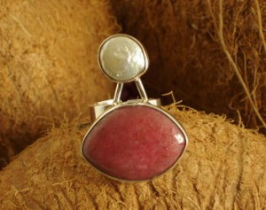 Taxco .925 Sterling Silver Citlal Castillo Pink Rhodonite & White Pearl Ring
